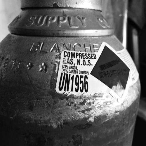 Photo of label on a MIG gas cylinder.